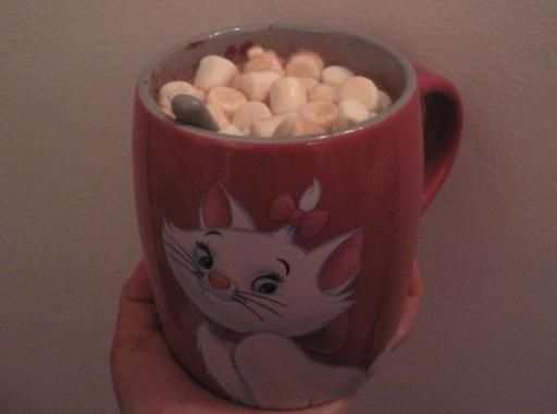 tasse-disney-marie-marshmallows